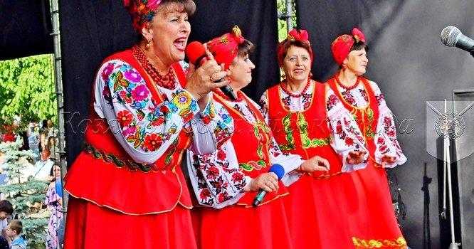 """Святковий концерт за участі гурту """"Лісапетний батальйон"""" на святкуванні 144-ї річниці Дня міста"""