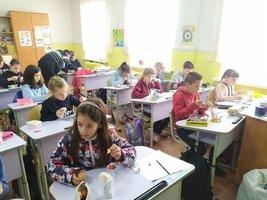 Учні-писанкарі