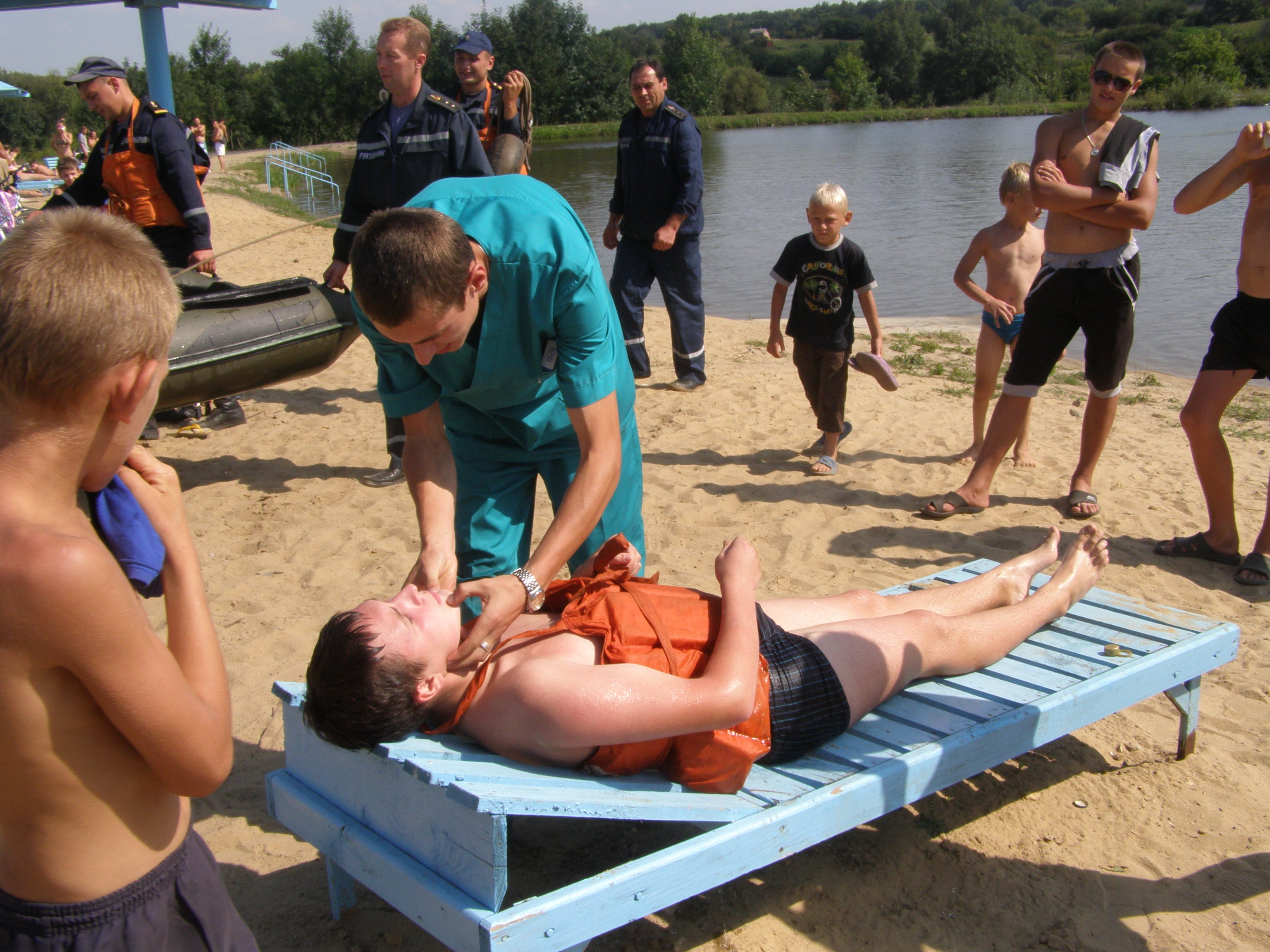 Навчання зі спасіння потопаючих